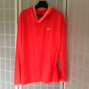 XL The North Face long sleeve light weight top